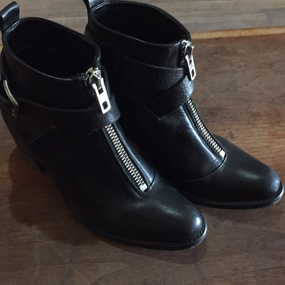 34b174f7e7924c Diesel Shoes - Black leather Diesel ankle boots